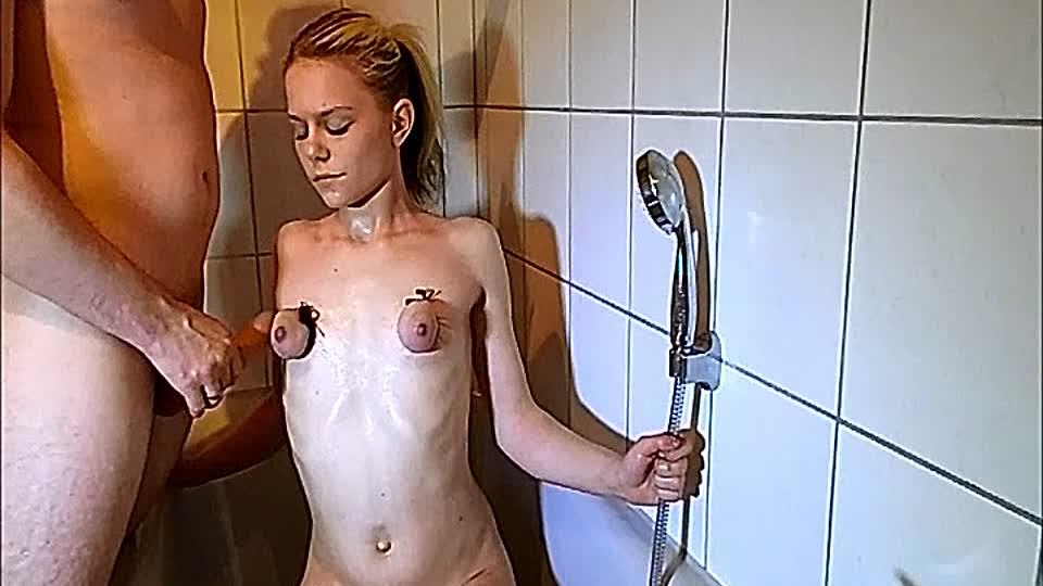 Fesseln brüste Brüste Fesseln